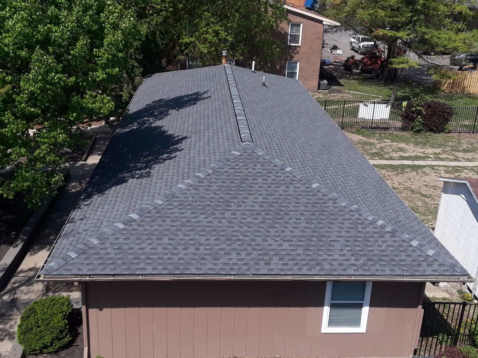 Best large shingle roofers PA